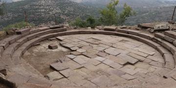 Aigaide Athena Tapınağının izi sürülüyor