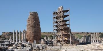 Pergedeki Helenistik kuleler restore edilecek