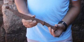 Kurul Kalesinde 2.100 yıllık hançer bulundu