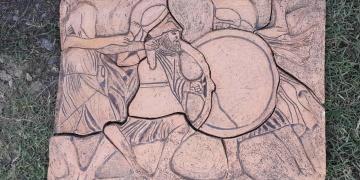Çaycumada tarihi eser olduğu iddia edilen kabartma resim yakalandı