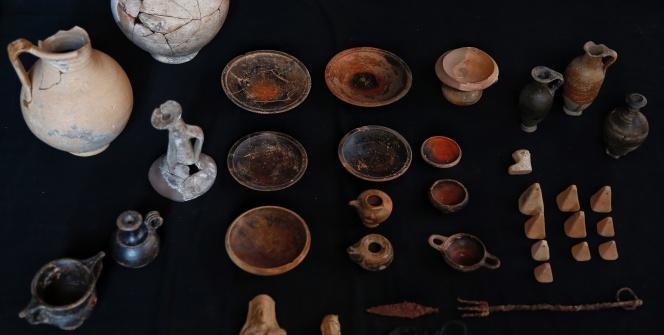 Patarada bulunan 2 bin 350 yıllık ev eşyaları