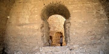 1.750 yıllık Zerdüşt tapınağı: Espakhu Ateşgedesi