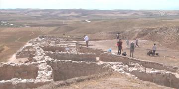 4 bin 500 yıldır çökmemiş Hitit evleri bulundu