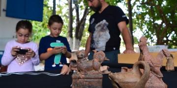 Parion Antik kentinde 2 bin yıllık oyuncaklar bulundu