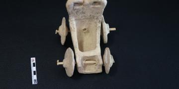 Şanlıurfada 5 bin yıllık oyuncak at arabası bulundu