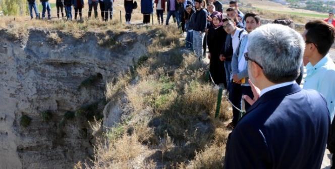 İlk Arkeoloji dersi antik köyde yapıldı