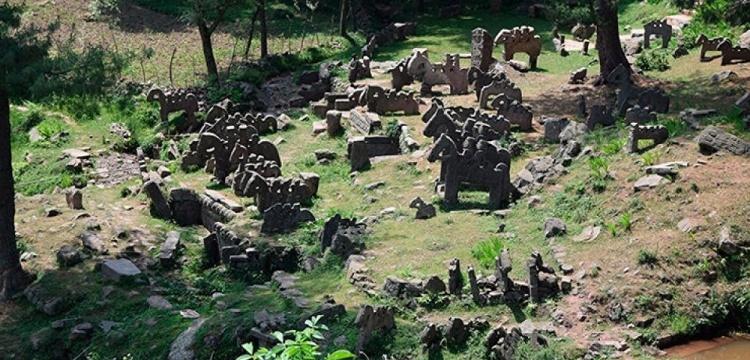 Hindistan-Pakistan sınırında  esrarengiz taş heykeller bulundu