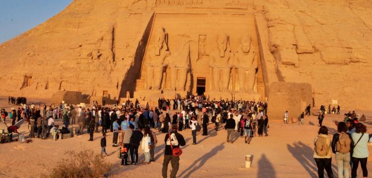 II. Ramses'e güneş vurmasına ilgi büyük oldu