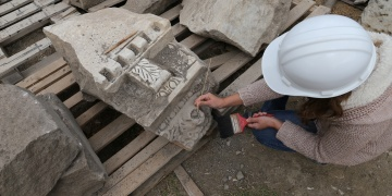 Stratonikeia Antik Kenti taşları tedavi ediliyor