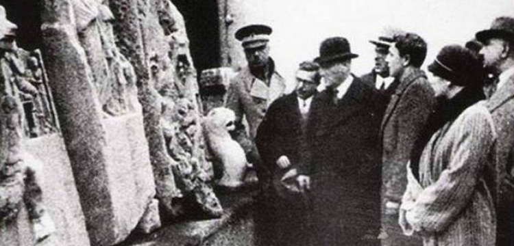 Ölümsüz Lider Atatürk'ü saygıyla anıyoruz