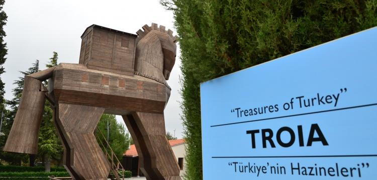 Arkeolog ve muhtarlar Troia Kültür Rotasında buluştu