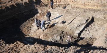 Konyada park kazısında tarihi sur kalıntıları bulundu