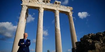 Kültür ve Turizm Bakanı Kurtulmuş, Antalyada