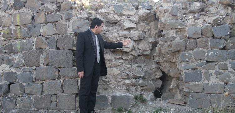 Diyarbakır Surları'nın Urfakapı Burcunda çatlak tehlikesi