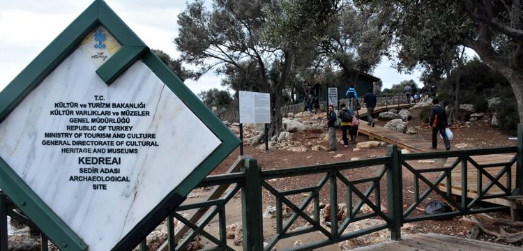Kedrai antik kenti arkeoloji kazılarına mahkumlar katılıyor