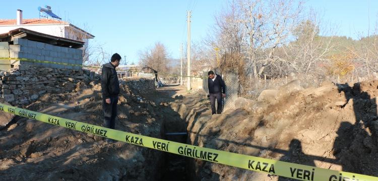 Tavas'ta kanalizyon kazısında mimari kalıntılar bulundu