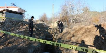 Tavasta kanalizyon kazısında mimari kalıntılar bulundu