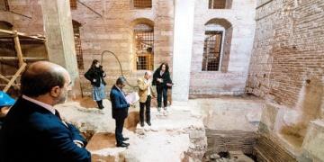 Topkapı Sarayı restorasyonunda tarihi hamam bulundu