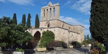 Girne Bellapais Manastırı