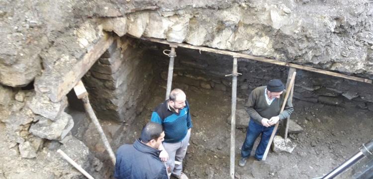 Çorum'da tarihi tünel sanılan yer Osmanlı dükkanı çıktı