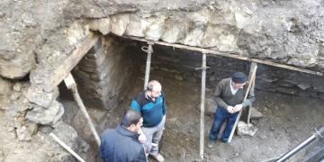 Çorumda tarihi tünel sanılan yer Osmanlı dükkanı çıktı