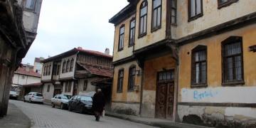 Yüksek Mimar Nurderen Özbek Kastamonu konutlarını anlatacak
