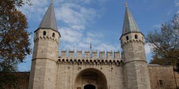 Topkapı Sarayı ve Aya İriniye ziyaretçi yağdı