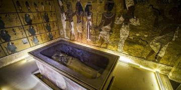 Tutankamonun mezarındaki gizli bölümleri arıyorlar