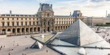 Louvre Müzesi geçen yıl 10.2 milyon ziyaretçi ile rekor kırdı