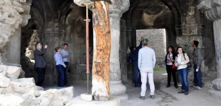 Öşvank Kilisesi kriko ve kütükten kurtuluyor