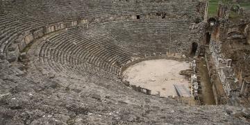 Perge Antik Tiyatrosu restore edilecek