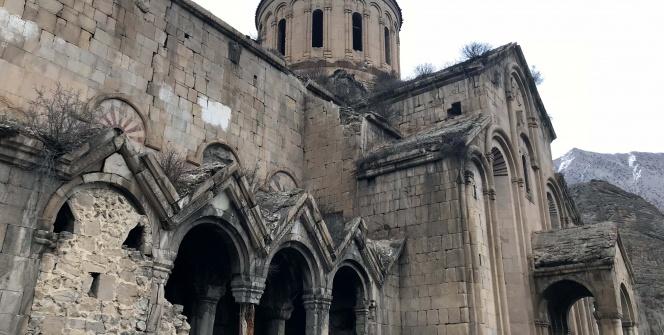 İşte kütükle ayakta tutulan Öşvank Kilisesi