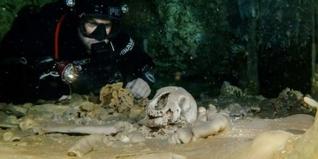 Doç. Dr. Hakan Öniz: Türkiye su altı arkeolojisi için cennet