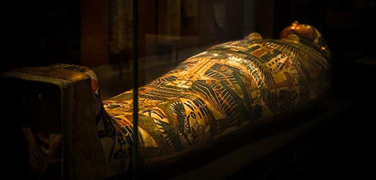 İngiltere'deki Mısır mumyalarında dövmeler keşfedildi