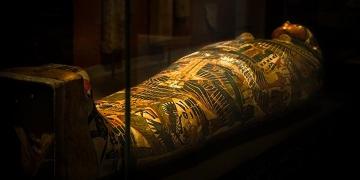 İngilteredeki Mısır mumyalarında dövmeler keşfedildi