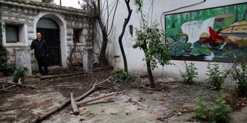 Kayıp fetih kitabeleri yüzyıl sonra bahçede bulundu!