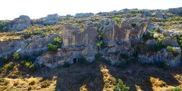 Gelinler Dağının 18 kaya mezarı restore edilecek