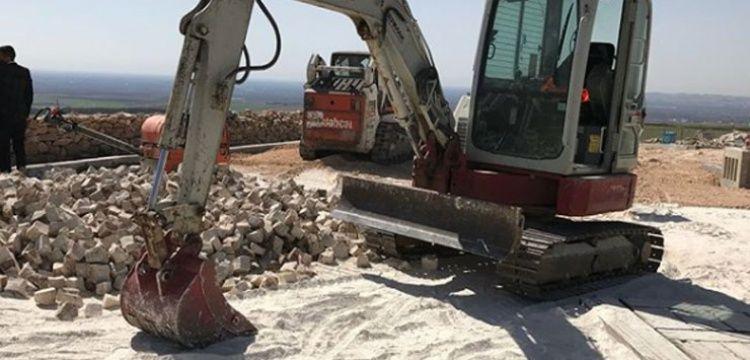 Arkeolog Necmi Karul, iş makinesi kullanmak mecburiyetti, dedi mi?