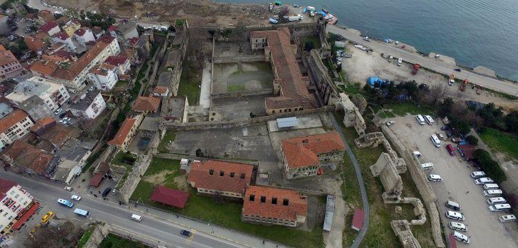 Sinop Cezaevi'nde yatanların heykelleri yapılacak