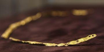 Güney Kafkasyanın en eski altın takısı ez an 5 bin yıllık