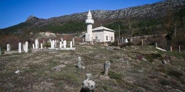 6 kez yıkıln 5 asırlı mabed: Zupa Camisi