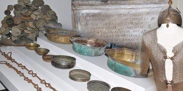 İstanbuldaki operasyonda 268 parça tarihi eser yakalandı