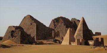 Prof. Dr. Abdu Osman ve Dr. Nuha Abdulhafız Sudan Piramitlerini anlattı