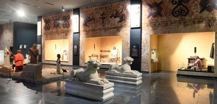 Uşak'ın yeni Arkeoloji müzesi Karun Hazineleriyle donaltıldı