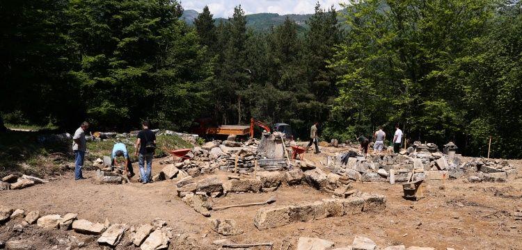 Bosna'daki en eski islam mezarlığında arkeoloji kazıları