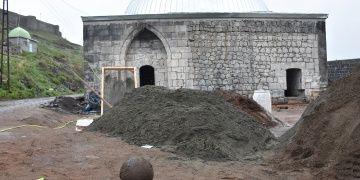 Muradiye Hamamında 30 kiloluk gülle bulundu