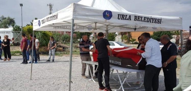 Arkeolog Güven Bakır, Urla 'da toprağa verildi