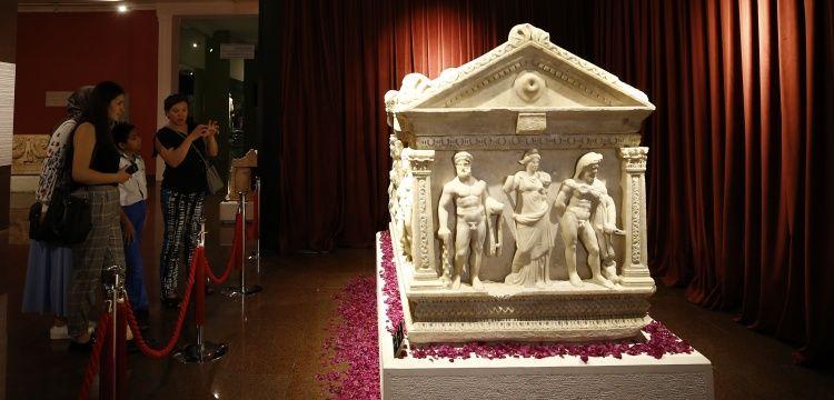 Herakles Lahdi Antalya Müzesi'ne ziyaretçi çekiyor