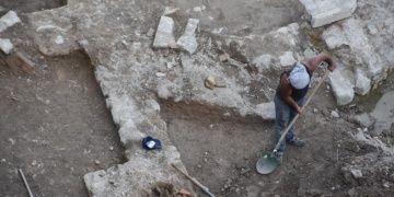 İzmirde iş merkezi inşaatından arkeolojik kalıntılar çıktı