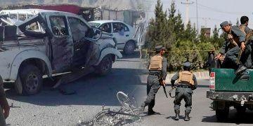 Kabilde arkeologları taşıyan araçta bomba patladı